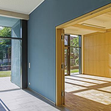 neubau. Black Bedroom Furniture Sets. Home Design Ideas